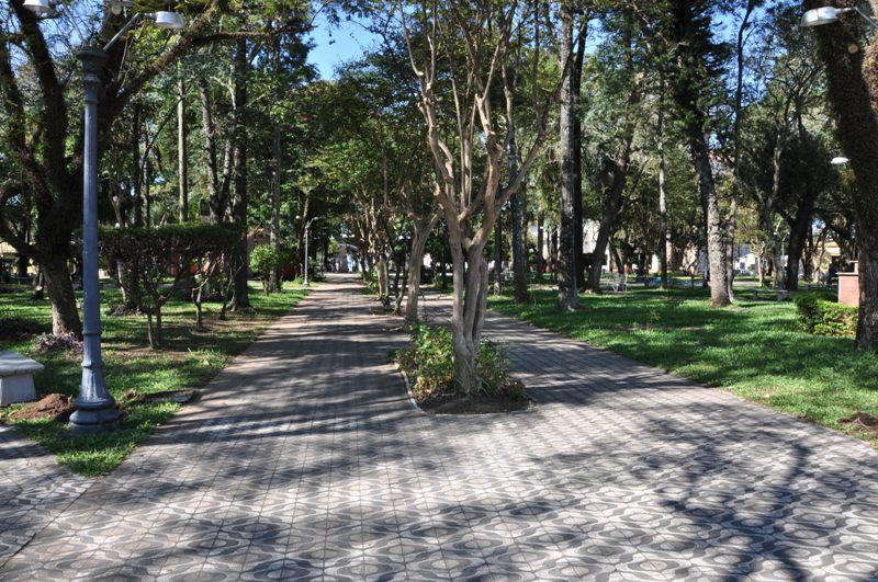 Resultado de imagem para foto da praça central de itaqui