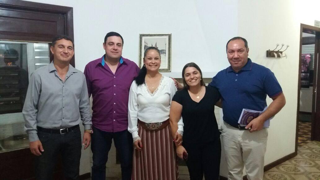 Secretários Municipais, juntamente com a Presidente da ACCLJB Elizéa Lima Bonapace e o Padre Silvano