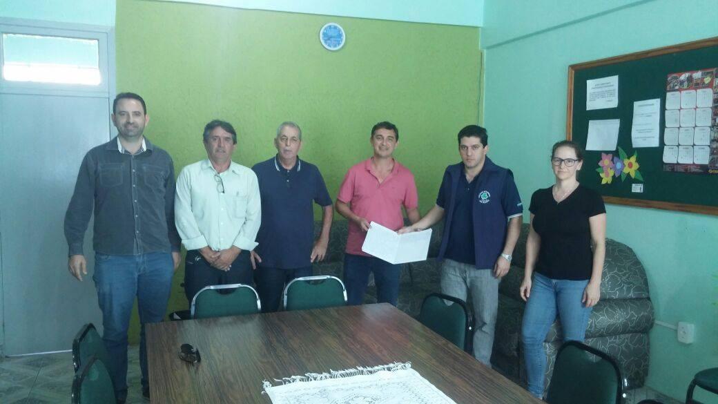 Secretário henrique Rios, em reunião que definiu o convênio entre estado e município