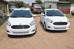 Os dois Ford Ka da Saúde