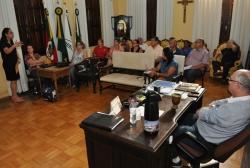 Secretária da Fazenda, Sandra Krahn, fala sobre a proposta de pagamento da revisão salarial