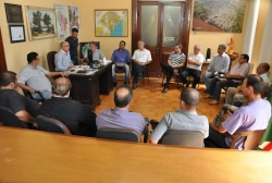 Ato de exoneração e posse dos novos secretários foi realizado no gabinete do prefeito