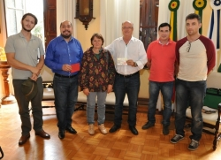 Da esq. para a dir.: Hugo, Celso, Maria, Gil, Ivan e Daniel