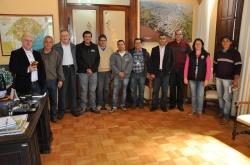Prefeito Gil (1º à esq.) coordenou a reunião