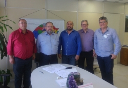 Da esq. para a dir.: Éber, Francisco, Celso, Ademar e um assessor do gabinete do secretário-adjunto