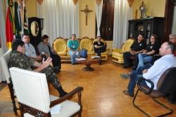 Reunião para tratar apoio no combate ao Aedes Aegypti.