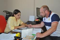 Secretária Letícia Viana com o Assessor Técnico Rober Colpo.