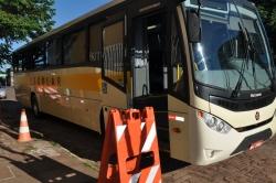 Ônibus passando pela vistoria técnica na manhã de hoje.