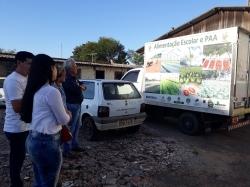 Caminhão que distribui os alimentos para as entidades beneficiadas