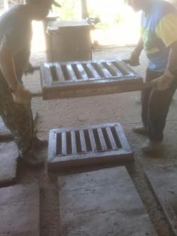 No primeiro dia foram fabricadas dez tampas e dez grelhas
