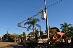Troca de lâmpadas no Bairro Vila Nova hoje cedo