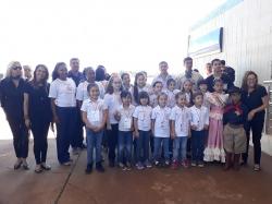 A delegação com 200 argentinos chegou pouco depois das 10 horas da manhã através de travessia de balsa