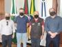 Prefeito Leonardo recebe a visita dos assessores do deputado Tiago Simon